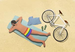 Man in rainbow swim trunks sunbathing on beach towelのイラスト素材 [FYI04323664]