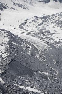Inflow from Albigna Glacier, Bregaglia, Graubuenden, Switzerlandの写真素材 [FYI04324225]