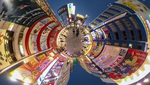 秋葉原電気街の夜景の360度風景写真の写真素材 [FYI04330415]