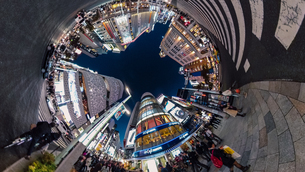 銀座4丁目交差点の夜景の360度風景写真の写真素材 [FYI04330416]