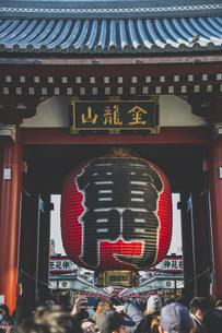 浅草寺雷門の写真素材 [FYI04330630]