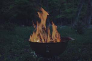 焚火の炎の写真素材 [FYI04330657]