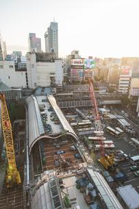 渋谷駅の工事風景の写真素材 [FYI04330704]