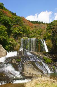 龍門の滝の写真素材 [FYI04330835]