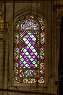 ブルーモスクのステンドグラスの写真素材 [FYI04331167]