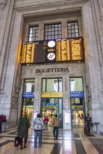 ミラノ中央駅の写真素材 [FYI04332465]