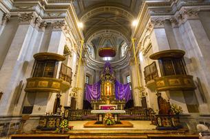 ソンマ・ロンバルドの教会の写真素材 [FYI04332484]