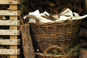 Baskets with firewood and brushwoodの写真素材 [FYI04332769]