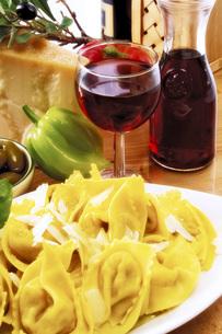 Agnolotti with fresh parmesanの写真素材 [FYI04332902]