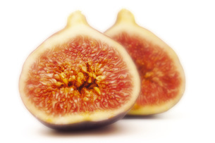 Sliced figs, close-upの写真素材 [FYI04332909]
