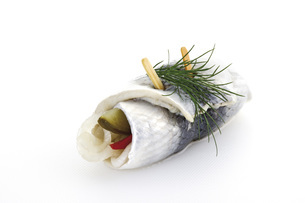 Rollmops, typical german food, close-upの写真素材 [FYI04333148]