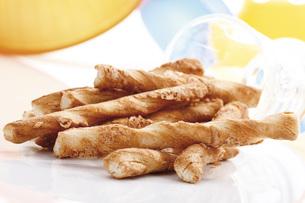 Cheese strawsの写真素材 [FYI04333285]