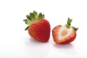 Fresh Strawberriesの写真素材 [FYI04333438]