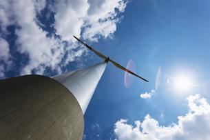Germany, North Rhine-Westphalia, Garzweiler, Wind turbine, lの写真素材 [FYI04333464]