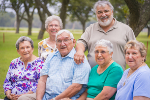 USA, Texas, Group foto of senior citizens at reunion meetingの写真素材 [FYI04333558]