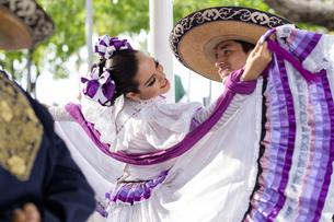 Mexico, Jalisco, Xiutla dancer, folkloristic Mexican dancersの写真素材 [FYI04333647]