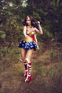 Woman wearing Super Hero costumeの写真素材 [FYI04334049]
