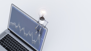 Light bulb manikin sitting on laptop with chartのイラスト素材 [FYI04334190]