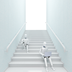 Robot sitting on stairs using laptop, 3d renderingのイラスト素材 [FYI04334237]