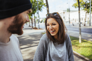 Austria, Vienna, laughing young woman with her boyfriendの写真素材 [FYI04334300]