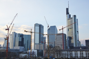 Germany, Hesse, Frankfurt, view to skyscrapers and constructの写真素材 [FYI04334319]