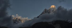 Nepal, Himalaya, Khumbu, Ama Dablamの写真素材 [FYI04334433]