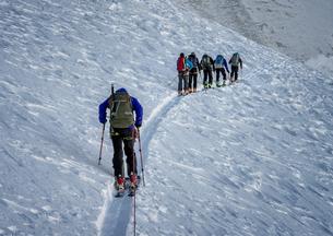 Italy, Gran Paradiso, ski tourの写真素材 [FYI04334451]