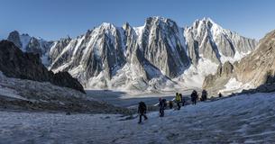 France, Chamonix, Argentiere Glacier, Les Droites, Les Courtの写真素材 [FYI04334501]