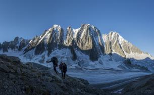 France, Chamonix, Argentiere Glacier, Les Droites, Les Courtの写真素材 [FYI04334502]