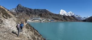 Nepal, Himalaya, Khumbu, Everest region, Renjo La, Gokyo andの写真素材 [FYI04334517]