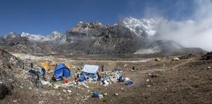 Nepal, Himalaya, Khumbu, Everest region, Renjo La, base campの写真素材 [FYI04334519]