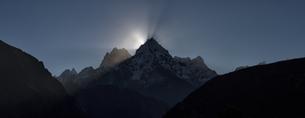 Nepal, Himalaya, Khumbu, Everest region, Renjo Laの写真素材 [FYI04334522]