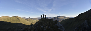 UK, North Wales, Snowdonia, Nantlle Ridge, silhouette of thrの写真素材 [FYI04334523]