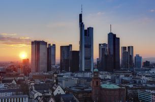 Germany, Hesse, Frankfurt, City view with financal districtの写真素材 [FYI04334606]