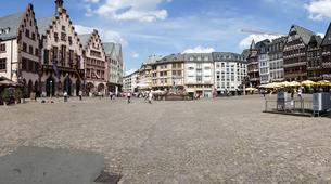 Germany, Hesse, Frankfurt, Roemerberg with historical Townhaの写真素材 [FYI04334630]