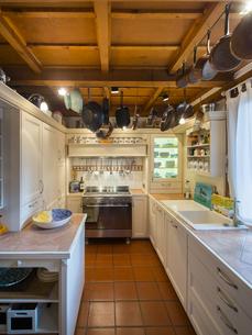 County style kitchenの写真素材 [FYI04334633]