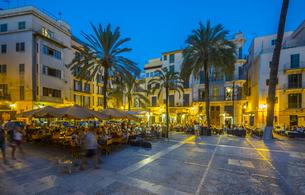 Spain, Mallorca, Palma de Mallorca, restaurants at Paseo Sagの写真素材 [FYI04334658]