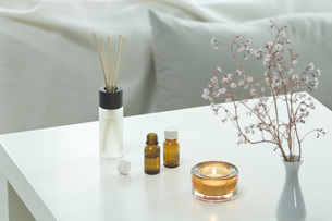 Aromatheraphy, candle, scent, fragrance diffuser, aroma sticの写真素材 [FYI04334818]