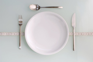 Table setting, close-up, elevated viewの写真素材 [FYI04334904]