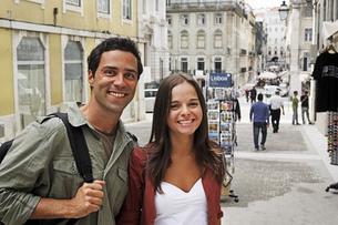 Portugal, Lisboa, Baixa, Rossio, portrait of young coupleの写真素材 [FYI04335424]