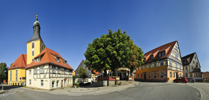 Germany, Saxony, Hohnstein, Townscape with parish churchの写真素材 [FYI04335722]