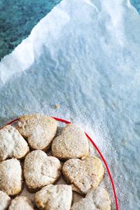 Home-baked Valentine's cookiesの写真素材 [FYI04335729]