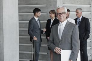 Confident businessman, portraitの写真素材 [FYI04335774]