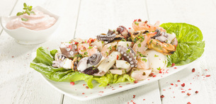 Octopus salad with cocktail sauceの写真素材 [FYI04335969]