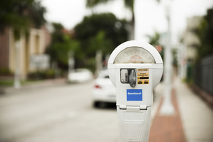 USA, Florida, Fort Myers, parking meterの写真素材 [FYI04336069]