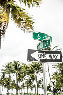 USA, Miami, road sign of Ocean Driveの写真素材 [FYI04336095]