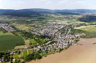 Germany, Hesse, High water of River Rhine near Wiesbaden, aeの写真素材 [FYI04336432]