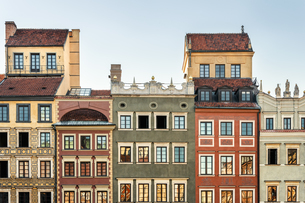 Poland, Warsaw, town houses in the old townの写真素材 [FYI04336502]