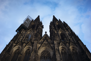 Germany, Cologne, view to Cologne Cathedral from belowの写真素材 [FYI04336704]