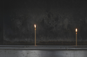 Greece, Burning candles in a churchの写真素材 [FYI04336820]